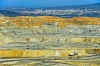 Tagebau im Kupferbergwerk Erdenet Mining Corporation, Erdenet, Mongolei