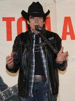 Tom Astor bei einem Live-Auftritt mit Autogrammstunde am 03.03.2018 in Magdeburg
