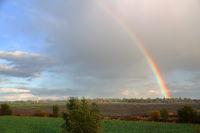 Regenbogen über Rysum in Ostfriesland