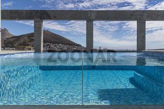Pool auf Dachterrasse The Silo Hotel, Victoria und Alfred Waterfront,