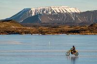 Motocross Myvatn See Island im Februar