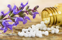 Naturmedizin und Alternativmedizin mit Homöopathie und Globuli