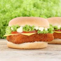 Fischburger Fisch Burger Backfisch Hamburger Käse Tomaten