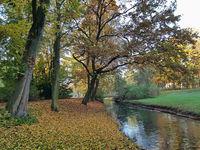 Kleine Brücke über die Panke im Bürgerpark in Pankow