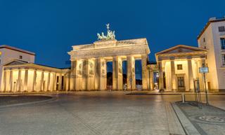 Das berühmte Brandenburger Tor bei Nacht