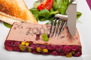 Detail einer Leberpastete auf einer Teller