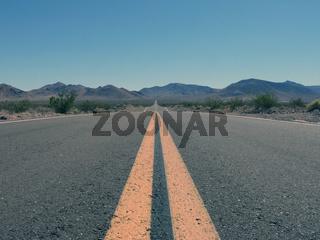 Unendliche Weite - endless road