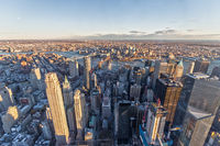 Aussicht auf Downtown Manhattan und Brooklyn Bridge