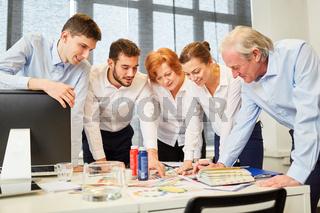 Kreatives Designer Team bei der Planung