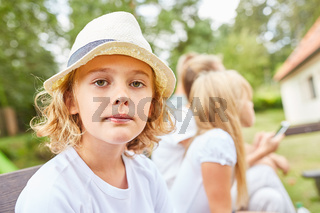 Porträt eines nachdenklichen Jungen