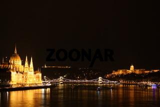 Budapest, Panorama bei Nacht