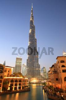 Dubai Burj Khalifa Downtown Hochhaus Wolkenkratzer Nacht nachts