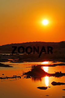 Sonnenuntergang am Olifants Fluss, Kruger Nationalpark Südafrika; sunset at Olifants River, Kruger national park, south africa