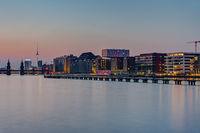 Die Spree in Berlin bei Sonnenuntergang