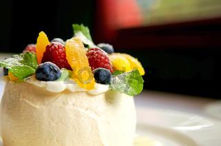 Fruit tart merangue