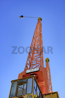 Harbous crane seen from below