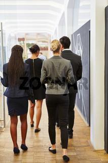 Gruppe Geschäftsleute in der Firma