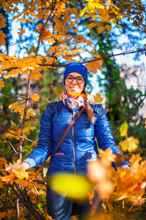 Beauty woman at autumn park
