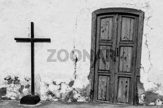 gerades Kreuz und schiefe Tür, Teguise, Lanzarote