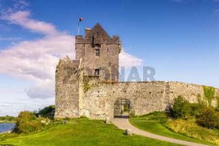 Dunguaire Castle Schloss Burg Turm Irland Reise Mittelalter