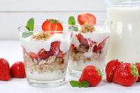 Erdbeerjoghurt Erdbeer Joghurt Jogurt Erdbeeren Glas Früchte Müsli Frühstück