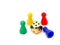 Spielfiguren mit Würfel