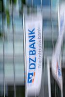 Flagge mit dem Logo der DZ Bank