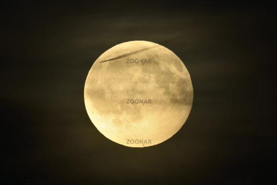Zivilisationsspuren... Vollmond *Luna luna*