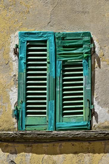 reparierter Fensterladen