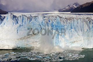 kalbender Gletscher Perito Moreno, Argentinien, calving glacier Perito Moreno, Argentina