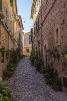 Altstadtgasse in Valdemossa, Mallorca, Balearen,Spanien,Europa