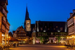 Welterbestadt Quedlinburg historischer Marktplatz bei Nacht
