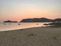 Strand in Agios Georgios Pagon oder Pagi, Insel Korfu, Griechenland