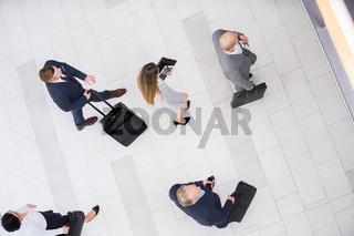 Business Team bricht auf zu einer Dienstreise