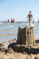 Sandburg vor dem Meer