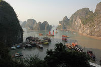 Dschunken in Ha Long