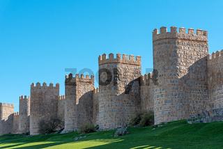Die Stadtmauer von Avila in Spanien