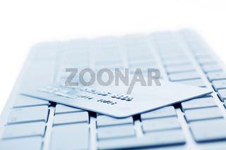 Computer Tastatur und Kreditkarte