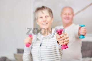 Aktive Senioren beim Fitness Workout