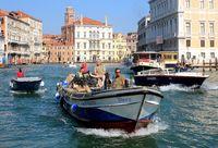 Hochetrieb am Canal Grande, Venedig