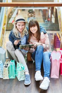 Teenager als Konsumenten beim online Shopping