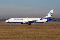 SunExpress Boeing 737-800 Flugzeug Flughafen Stuttgart