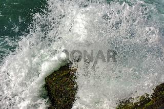 Sea water splashing