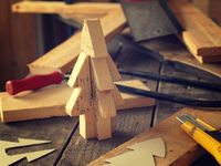 Making a wooden Christmas tree