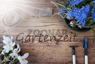 Sunny Spring Flowers, Gartenzeit Means Garden Time