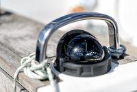 Kompass auf einer Segelyacht