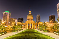 Old Courthouse in St. Louis bei Nacht