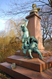 kriegerdenkmal im park von antwerpen, belgien