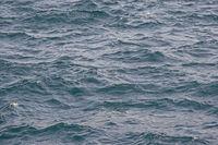 Hintergrund - bewegtes Wasser eines Sees