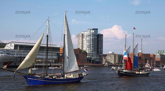 Impressionen der Auslaufparade vom 828. Hamburger Hafengeburtstag 2017; Impressions of the 828th Birthday of the Port of Hamburg 2017, Germany